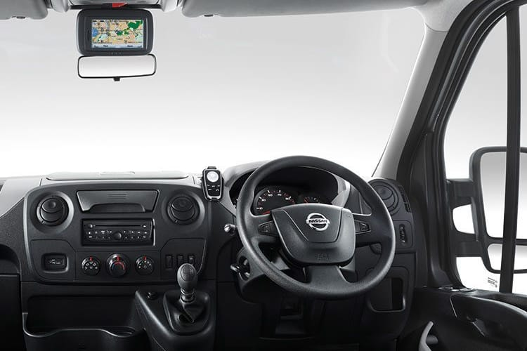 Nissan NV400 L2 35 FWD 2.3 dCi FWD 135PS Tekna Chassis Cab Manual inside view